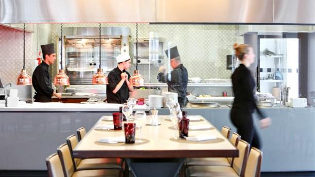 quinte-sens-hotel-pullman-paris-la-defense-la-show-kitchen-206d5