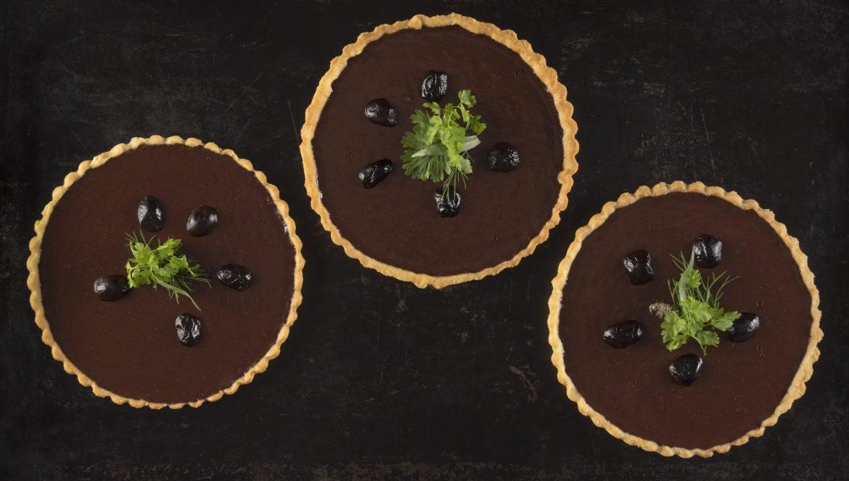 Tarte-fine-de-chocolate-et-olives-noires